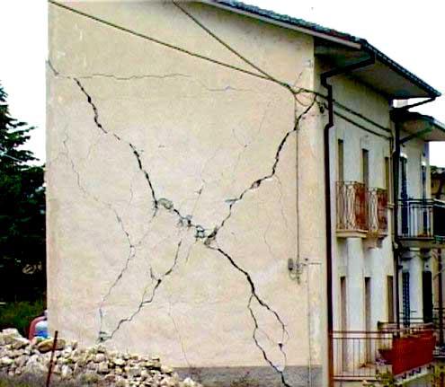 Chi deve dimostrare la presenza di vizi e difetti in un edificio?